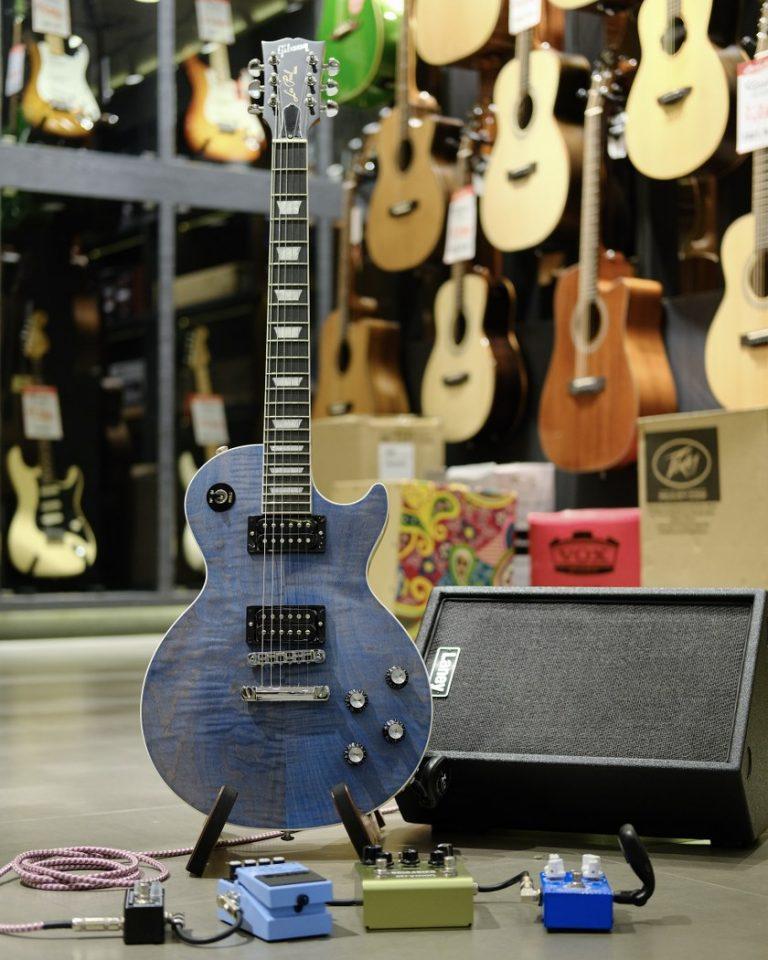 Showcase Gibson Les Paul Signature Player Plus 2018