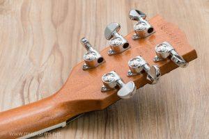 Gibson Les Paul Signature Player Plus tuner