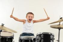 5 เหตุผลที่ควรให้ลูกฝึกดนตรีจากกลอง