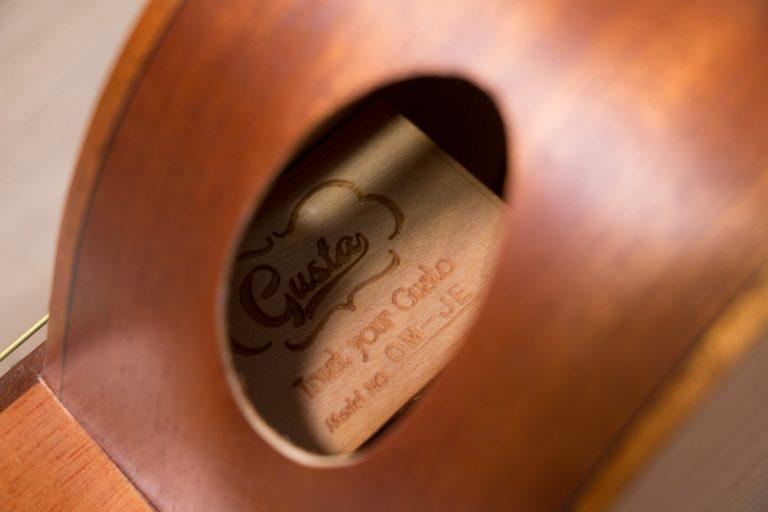 โปร่งไฟฟ้า Gusta OM-JE II N 40Acoustic guitar brand ขายราคาพิเศษ
