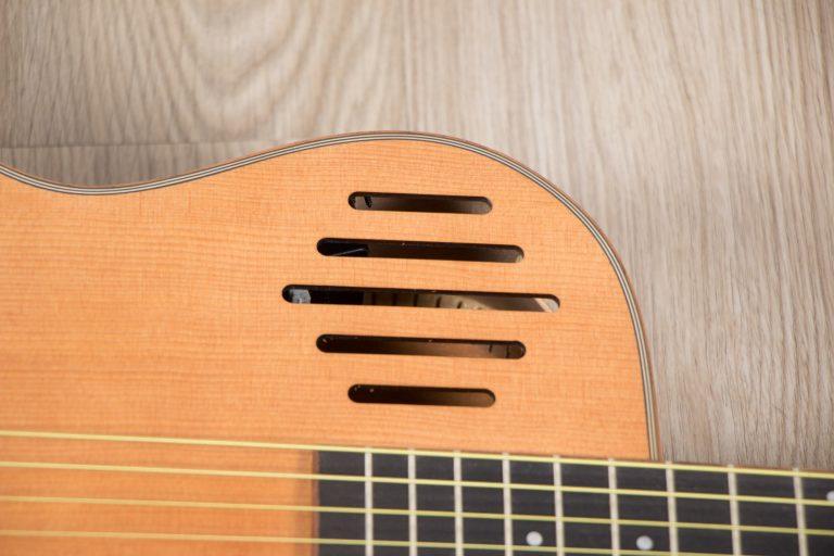 โปร่งไฟฟ้า Gusta OM-JE II N 40Acoustic guitar effect ขายราคาพิเศษ
