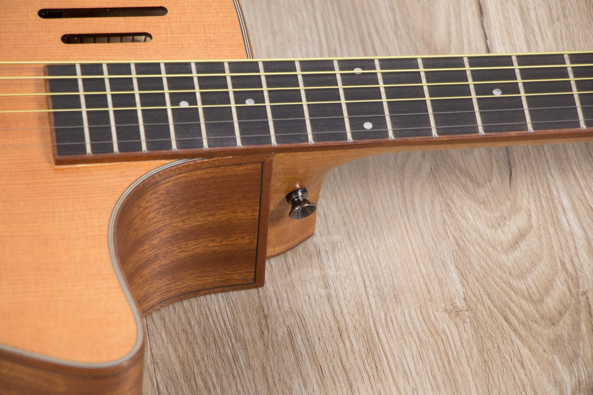 โปร่งไฟฟ้า Gusta OM-JE II N 40Acoustic guitar zoom string