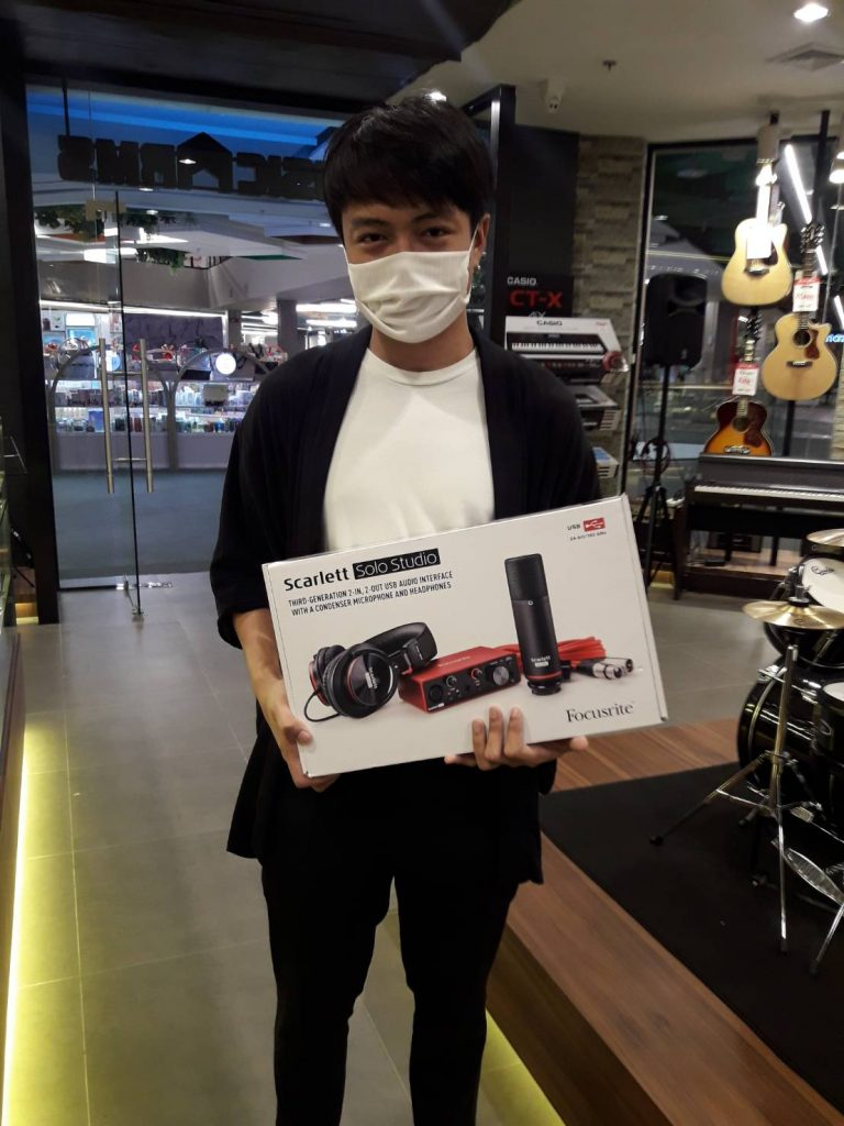 ลูกค้าที่ซื้อ Focusrite Scarlett Solo Studio 3rd Gen