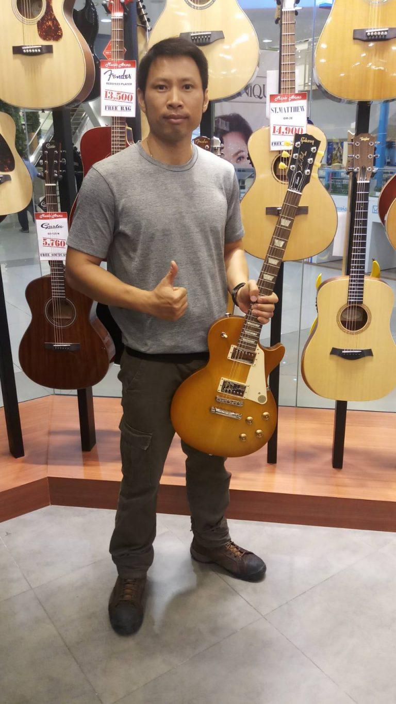 ลูกค้าที่ซื้อ Gibson Les Paul Tribute