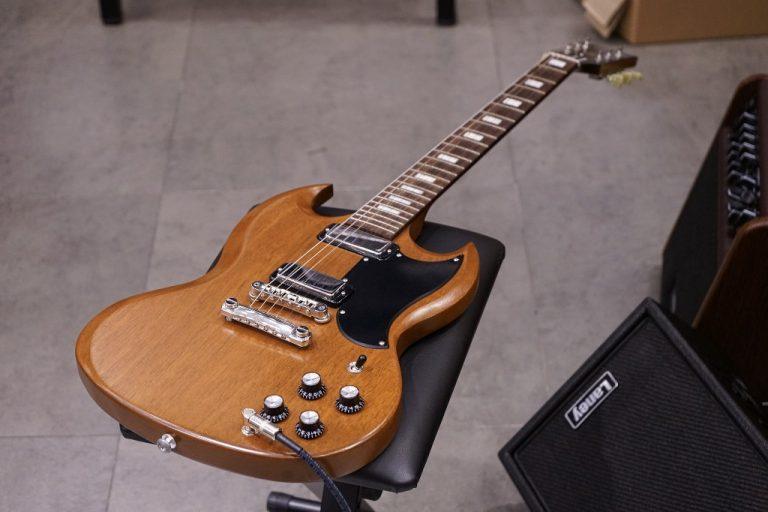 Showcase Gibson SG Special