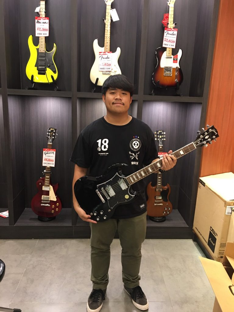 ลูกค้าที่ซื้อ Gibson SG Standard Tribute 2019