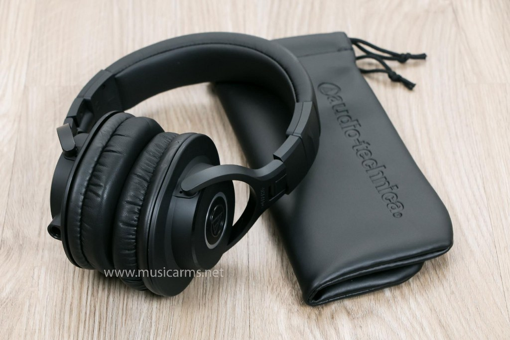 Audio Technica ATH-M40X headphone set