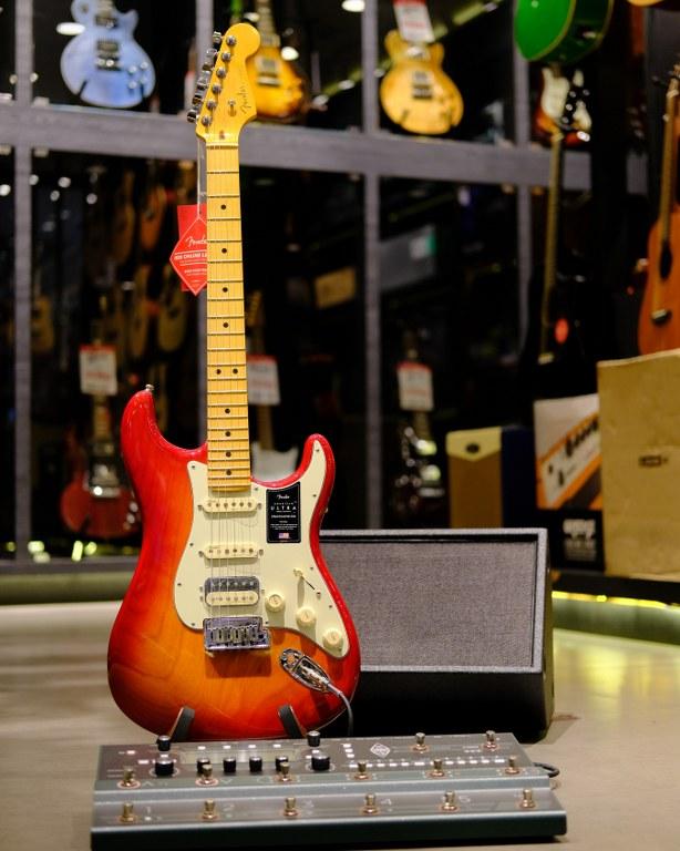 Showcase Fender American Ultra Stratocaster