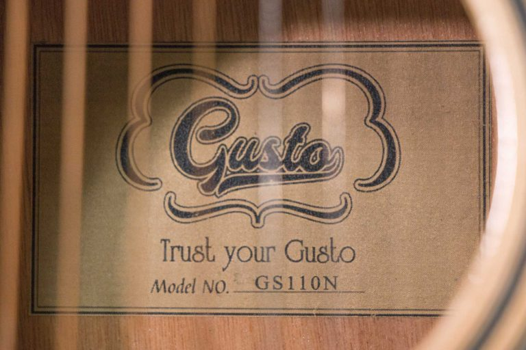 โปร่ง Gusta GS110-N barnd ขายราคาพิเศษ