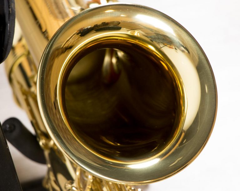 Saxophone Tenor Coleman Standard GOLD Bell close up ขายราคาพิเศษ
