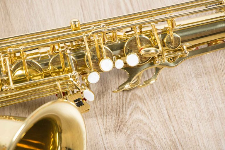Saxophone Tenor Coleman Standard GOLD Body closeup ขายราคาพิเศษ