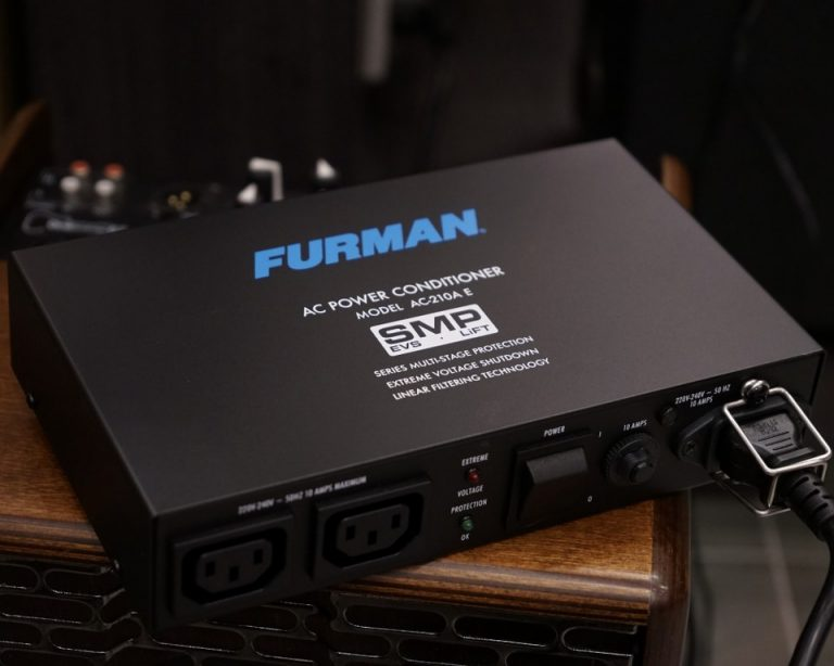 Showcase Furman AC-210A E