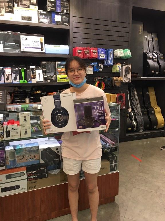 ลูกค้าที่ซื้อ Audio Technica ATH-M40X