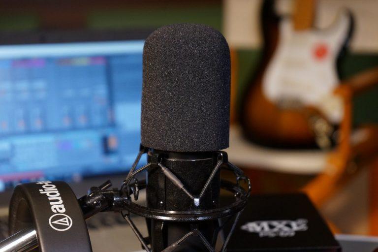 Showcase MXL V69M EDT Mogami Edition Large Diaphragm Tube Condenser Microphone