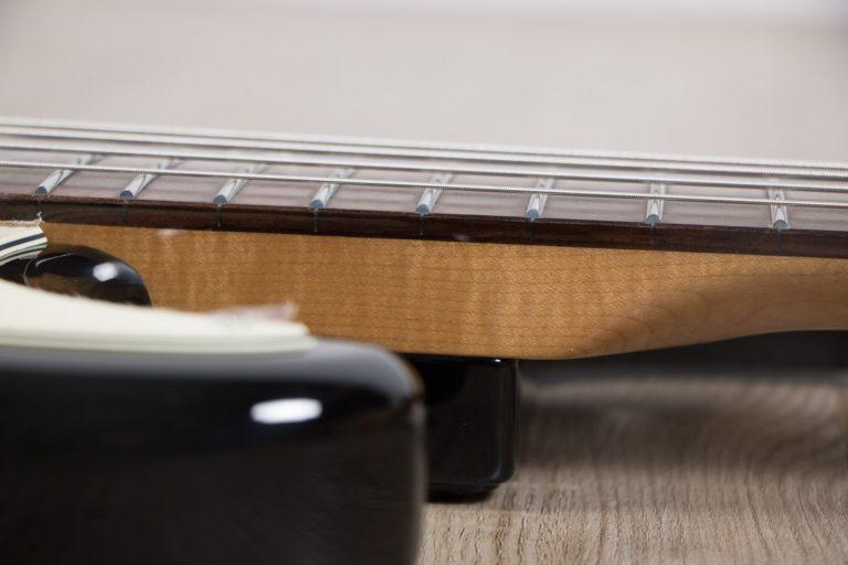 Gusta Bass GPJ4 - 03 BK neak ขายราคาพิเศษ