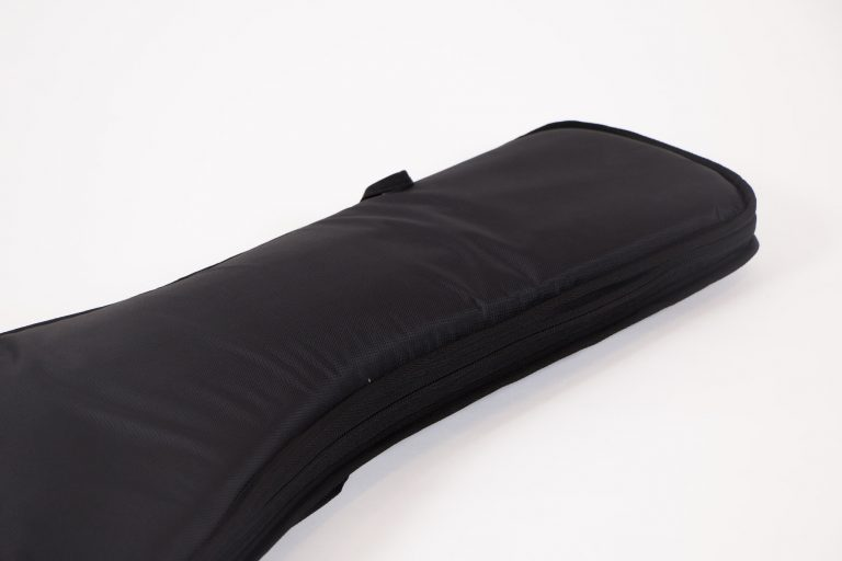 กระเป๋าเบส Gusta บุกำมะหยี่หนา 1.5 นิ้ว Neck ขายราคาพิเศษ