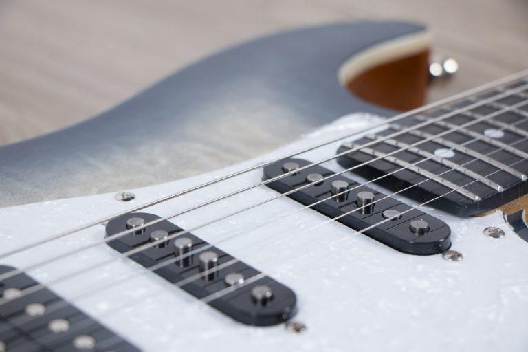 Gusta GST 07 zoom strings ขายราคาพิเศษ