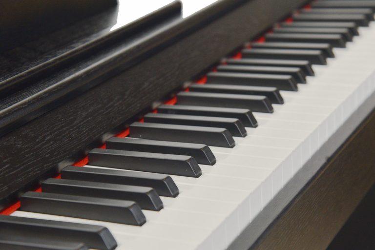 เปียโนไฟฟ้า Coleman F105 คีย์ ขายราคาพิเศษ