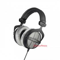 beyerdynamic-dt-990-pro-front