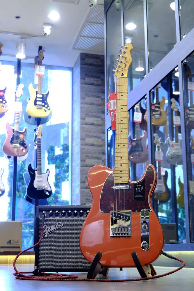 กีตาร์ พร้อม แอมป์ Fender Champion 20
